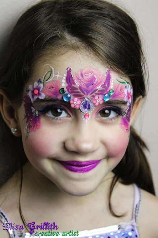 when a fairy meets a butterfly you have a gorgeous creation. We love this look by Elisa Griffith