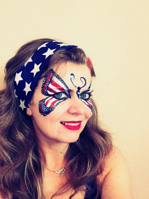 With 4th of July around the corner Victoria Emma gives us a perfect patriotic butterfly